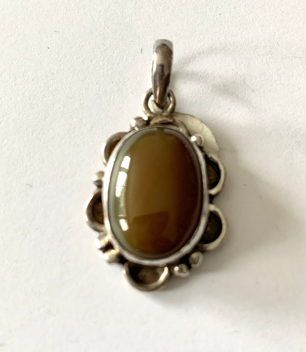 Pendants - Oval Amber
