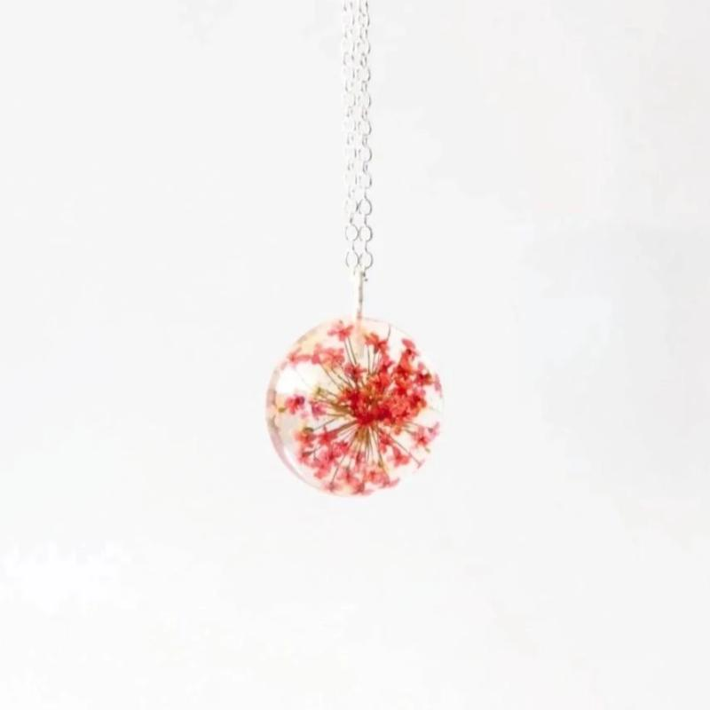 Necklace | Red Queen Anne's Lace Flower