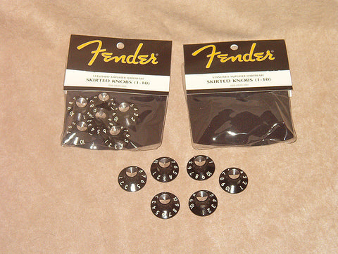 Fender amp  skirted knobs
