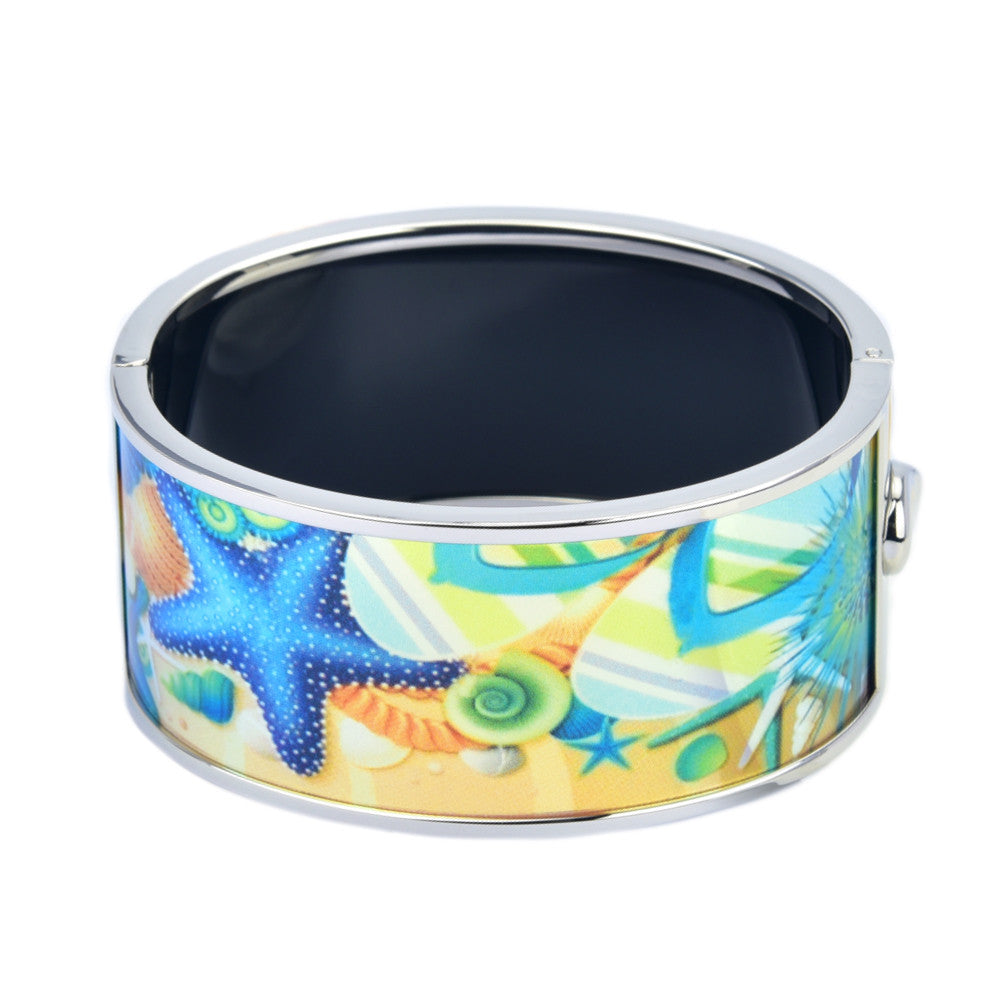 Starfishes & Flip Flop on Beach Printed Hinged Bangle