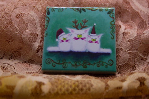Christmas - 3 White Cranky Cats - Magnet