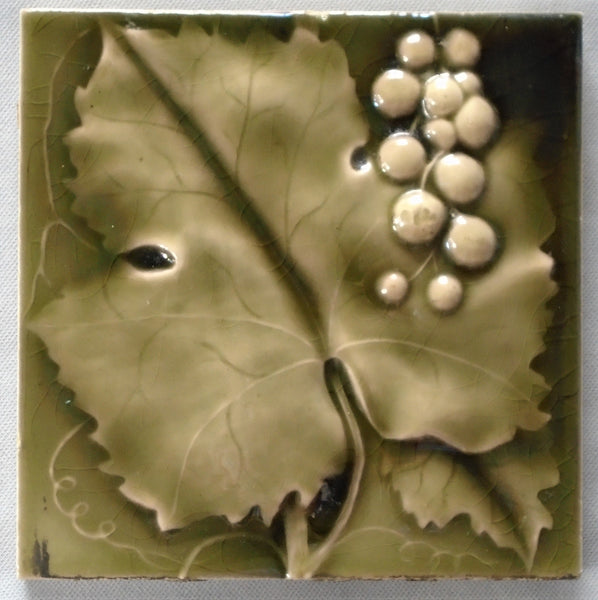 Cambridge Tile Grapes and Leaves Bungalow Bill Antique