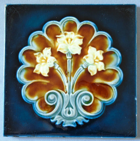 Gothic Revival Lily Tile by H. Richards Bungalow Bill Antique Tile