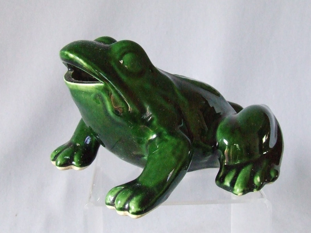 vintage ceramic fountain spout frog spitter