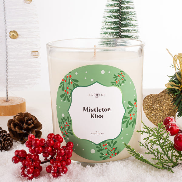 Mistletoe Kiss 18 oz Candle