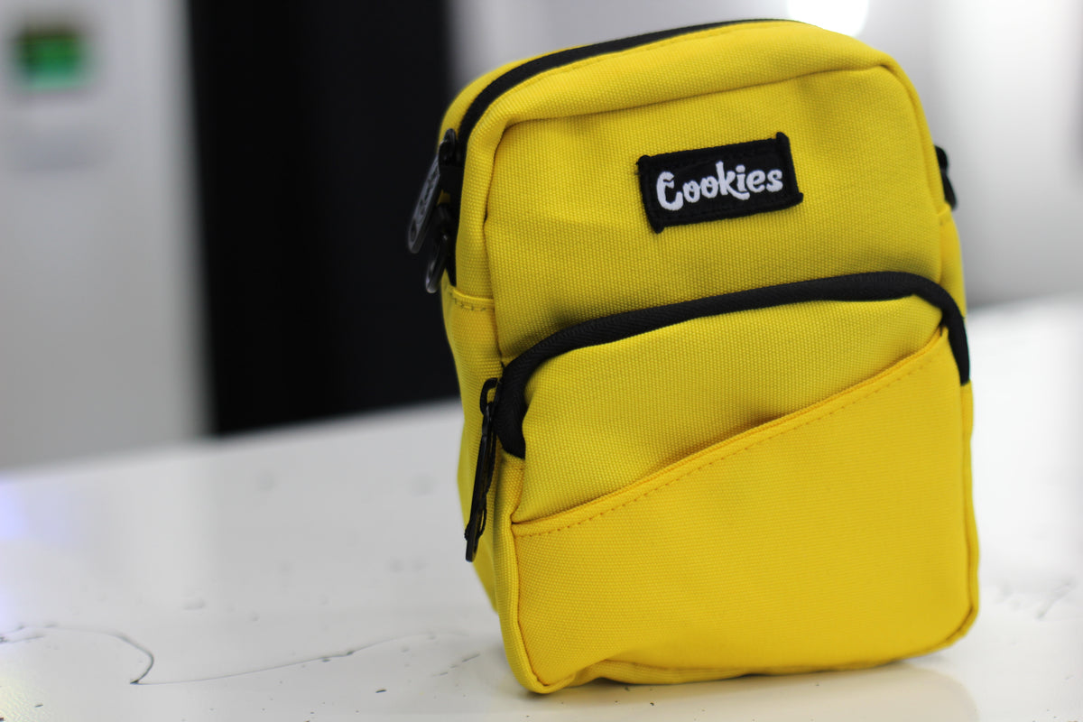 "Cookies ""Clyde"" Shoulder Bag (Yellow)"