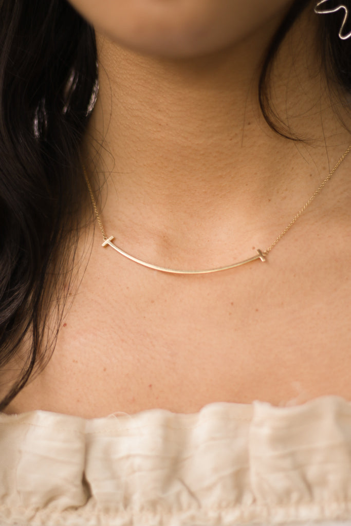 T SMILE 18K PENDANT NECKLACE