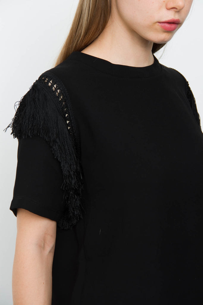 FRINGE KNIT BLOUSE