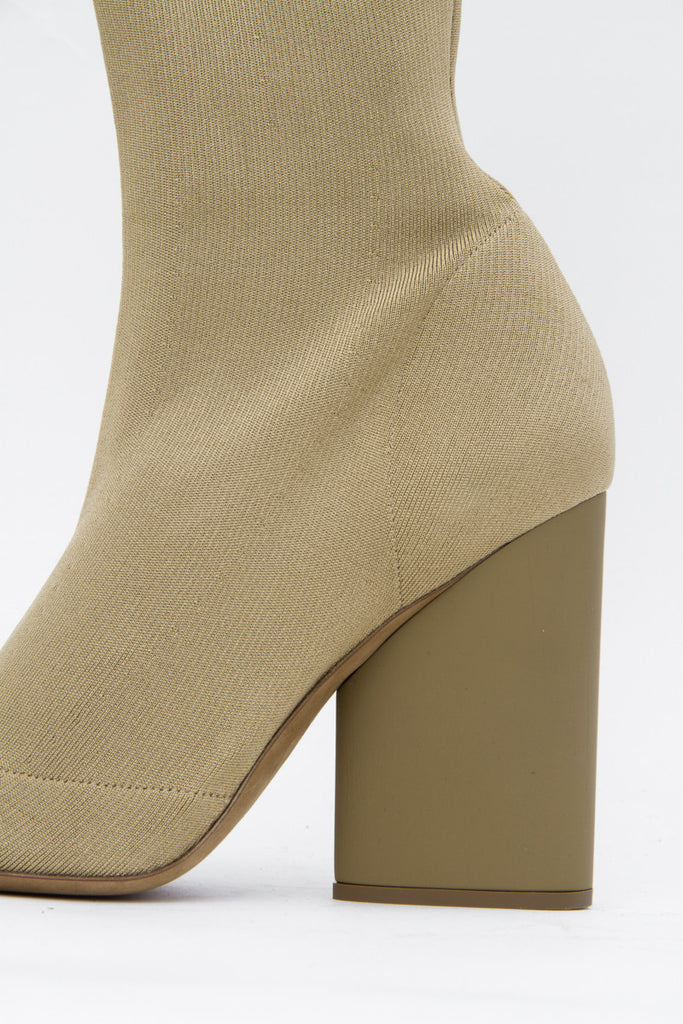 BEIGE KNIT BOOTS