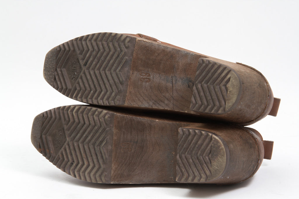 LEXICON WOOD CLOGS