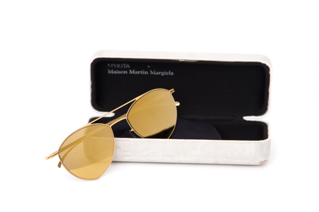GOLD MIRRORED SUNGLASSES