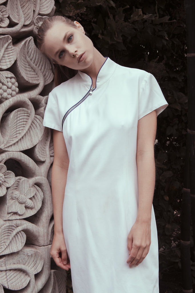WHITE ZIP MANDARIN COLLAR DRESS