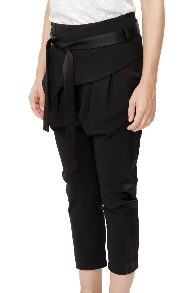 CREPE BELTED TROUSERS