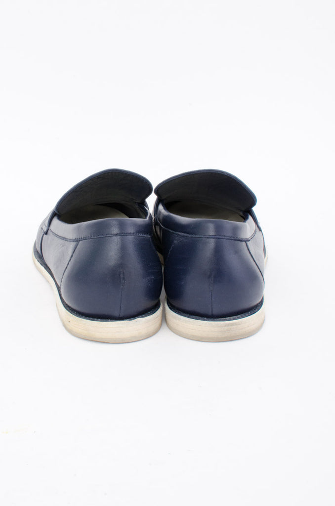 NAVY LEATHER MOCASSIN