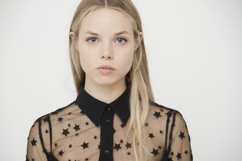 STAR EMBROIDERED BLOUSE