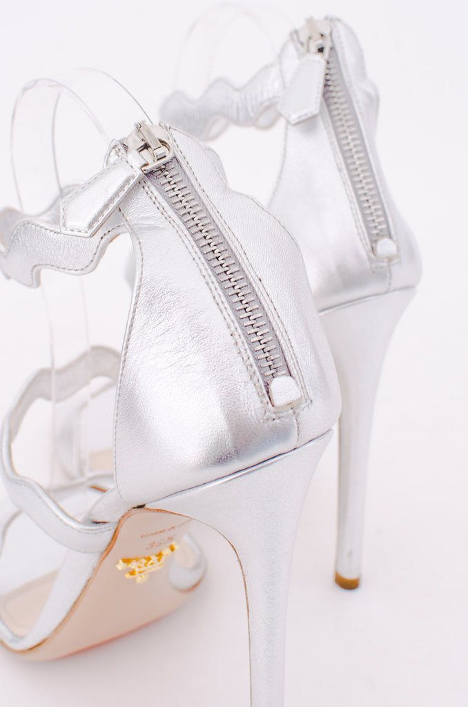 SILVER SCALLOPED WEDGES