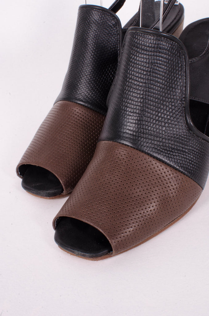 PERFORATED LEATHER SLINGBACKS
