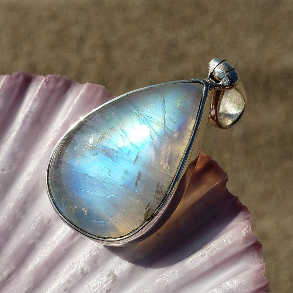 Flashy Blue Moonstone Silver Pendant