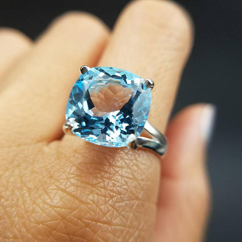 Blue Topaz Solitaire Ring Size 8
