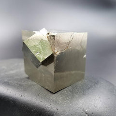 Pyrite Large Collector Cube