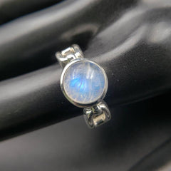 Moonstone Intuitive Link Ring - Size 8