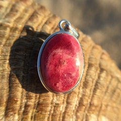 Rare Tugtupite Color Changing Pendant