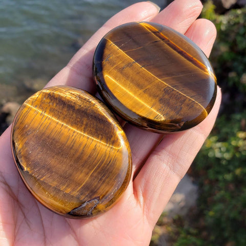 Tiger Eye Palm Stone Stone
