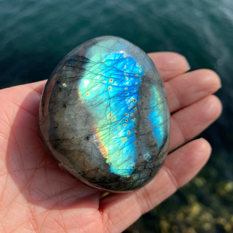 Blue Flash Labradorite Palm Stone