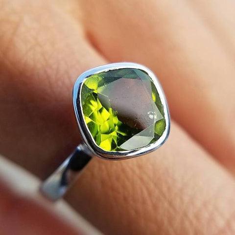 Peridot Diamond Shaped Ring - Size 8