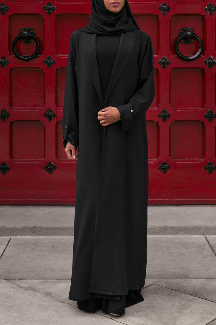 DAHLIA ABAYA IN BLACK