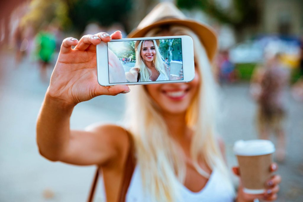 Get my best side. Tips on how to take that perfect selfie.