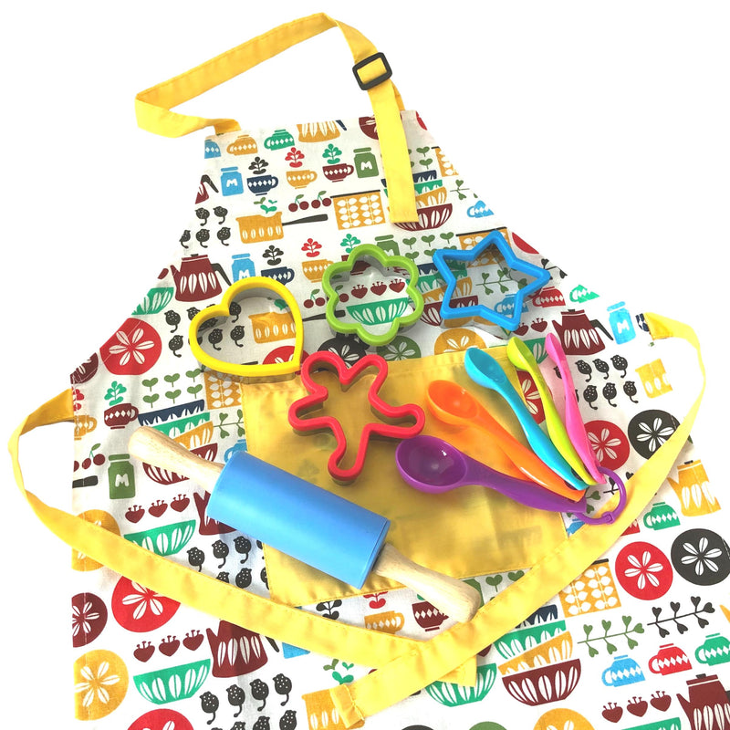 Daju Kids Apron and Cooking Set - Childs Apron, Cookie Cutters, Mini Rolling Pin and Measuring Spoons