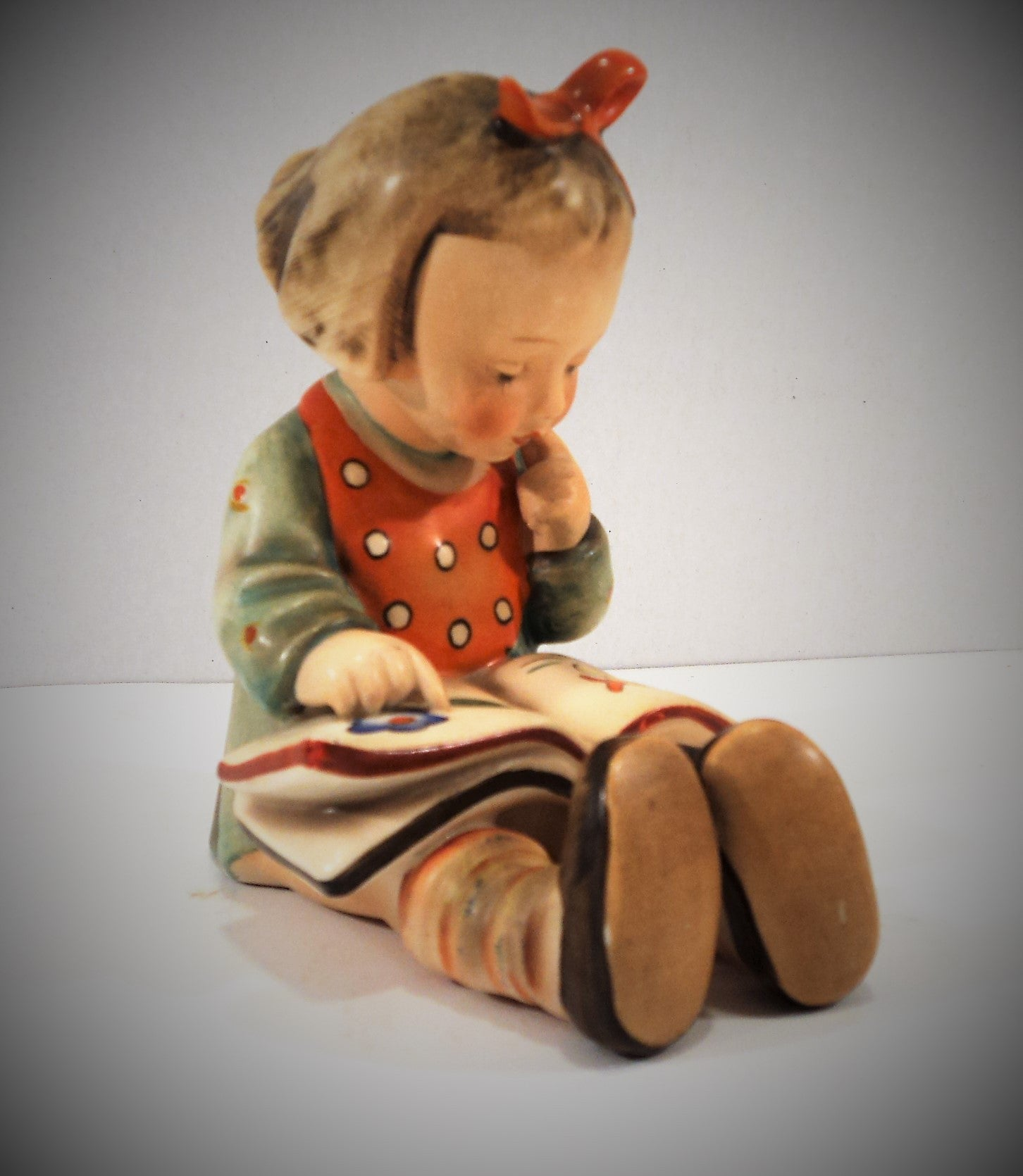 1950s Full Bee TMK-2 Hummel Figurine