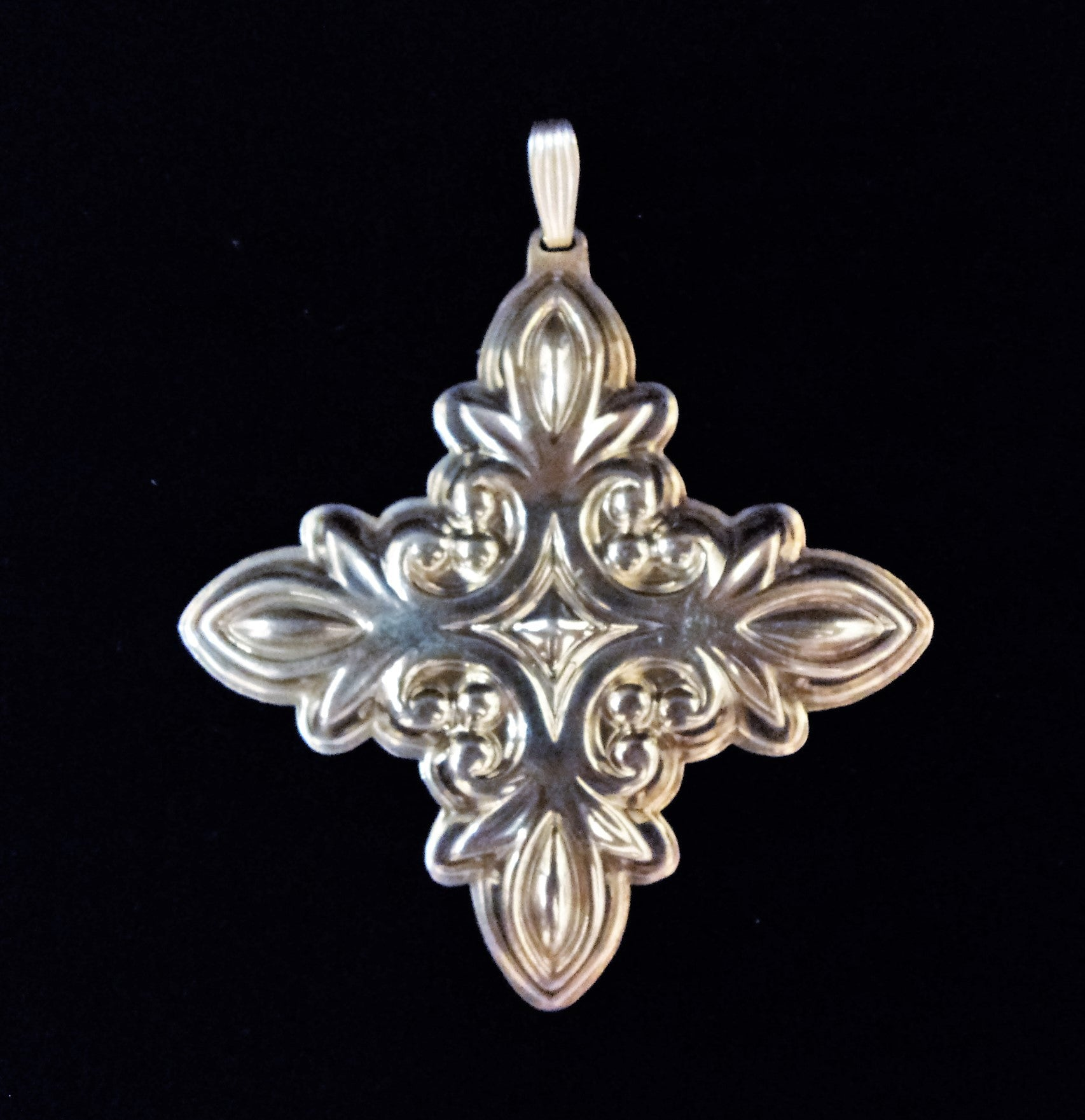 Reed & Barton Sterling Silver 1987 Christmas Cross Ornament