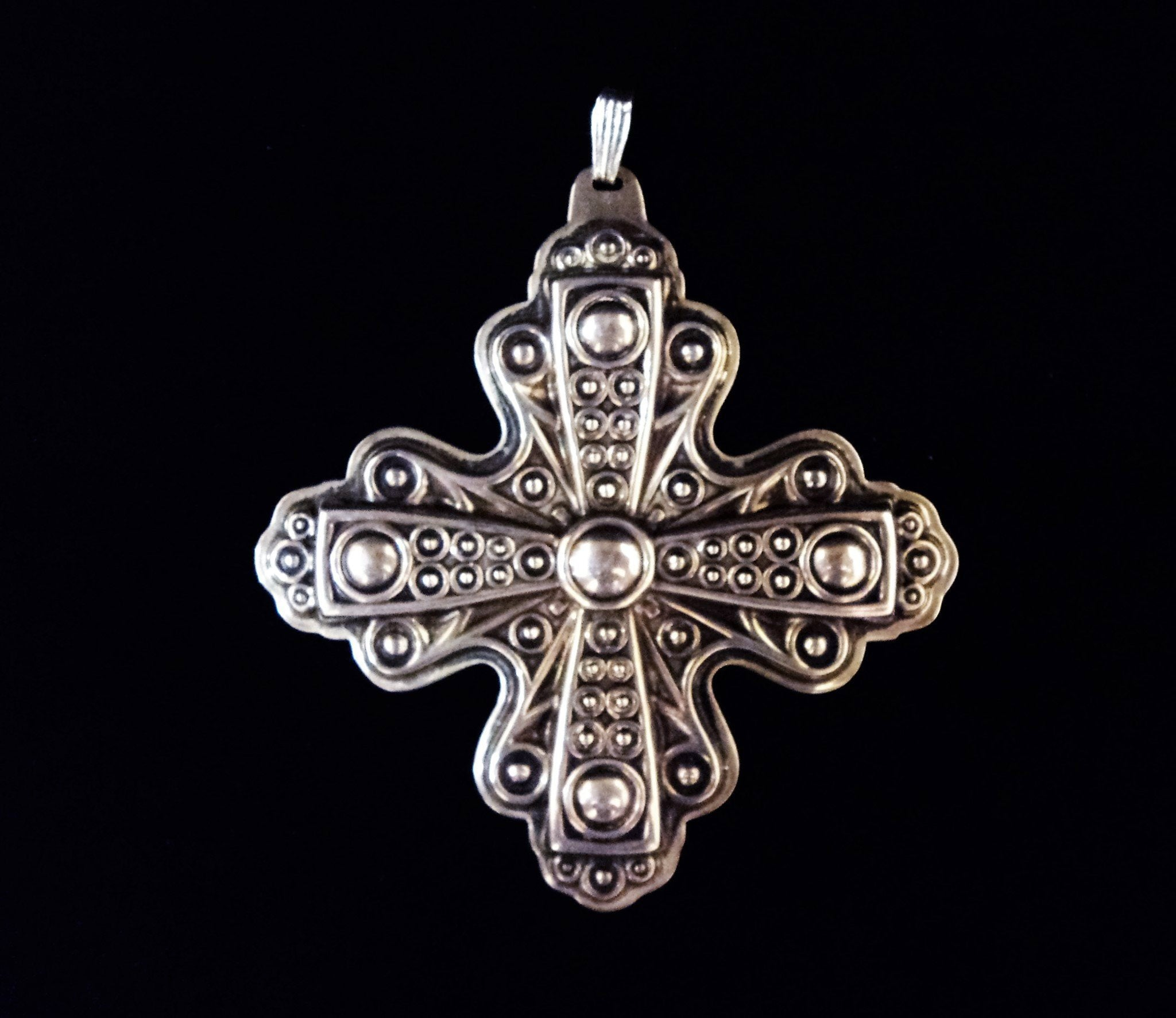 Reed & Barton1972 Sterling Silver Christmas Cross Ornament