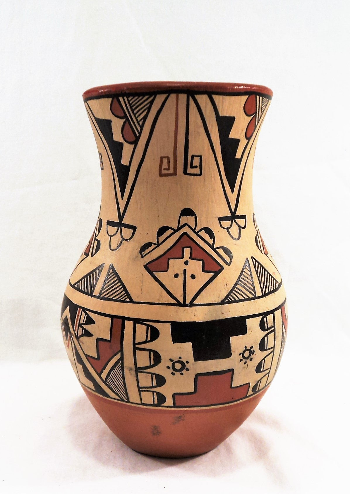 Native American Indian Jemez Pueblo Pottery with Feather Design