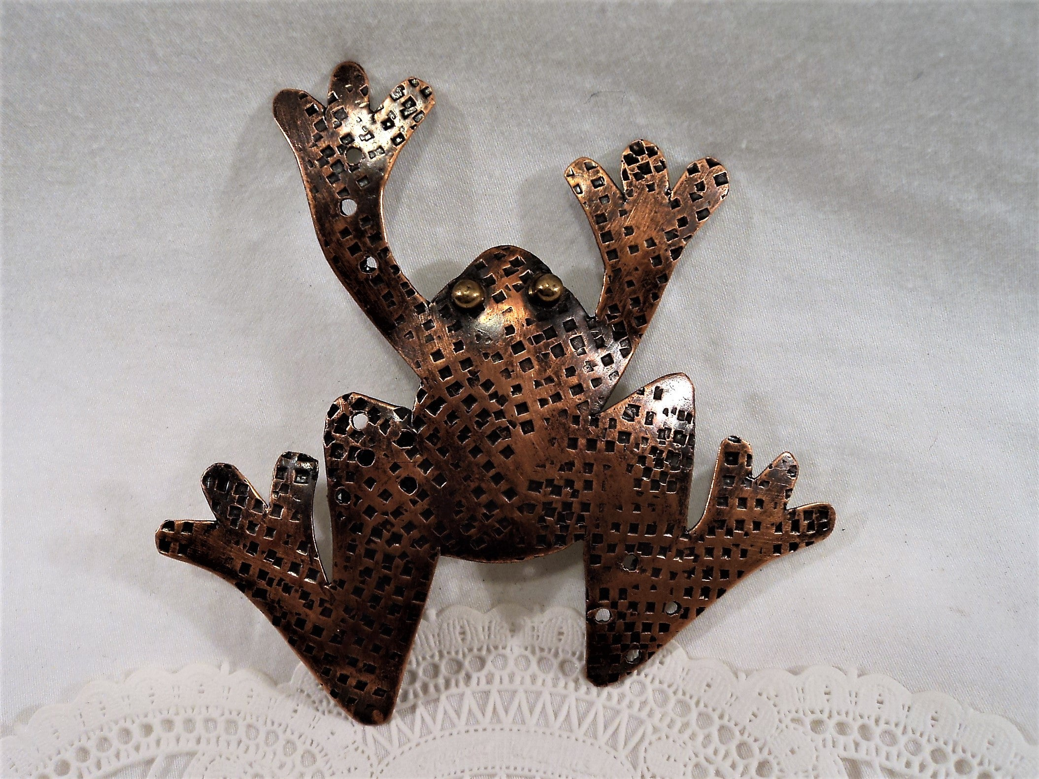 Vintage Folk Art Copper Frog Pin