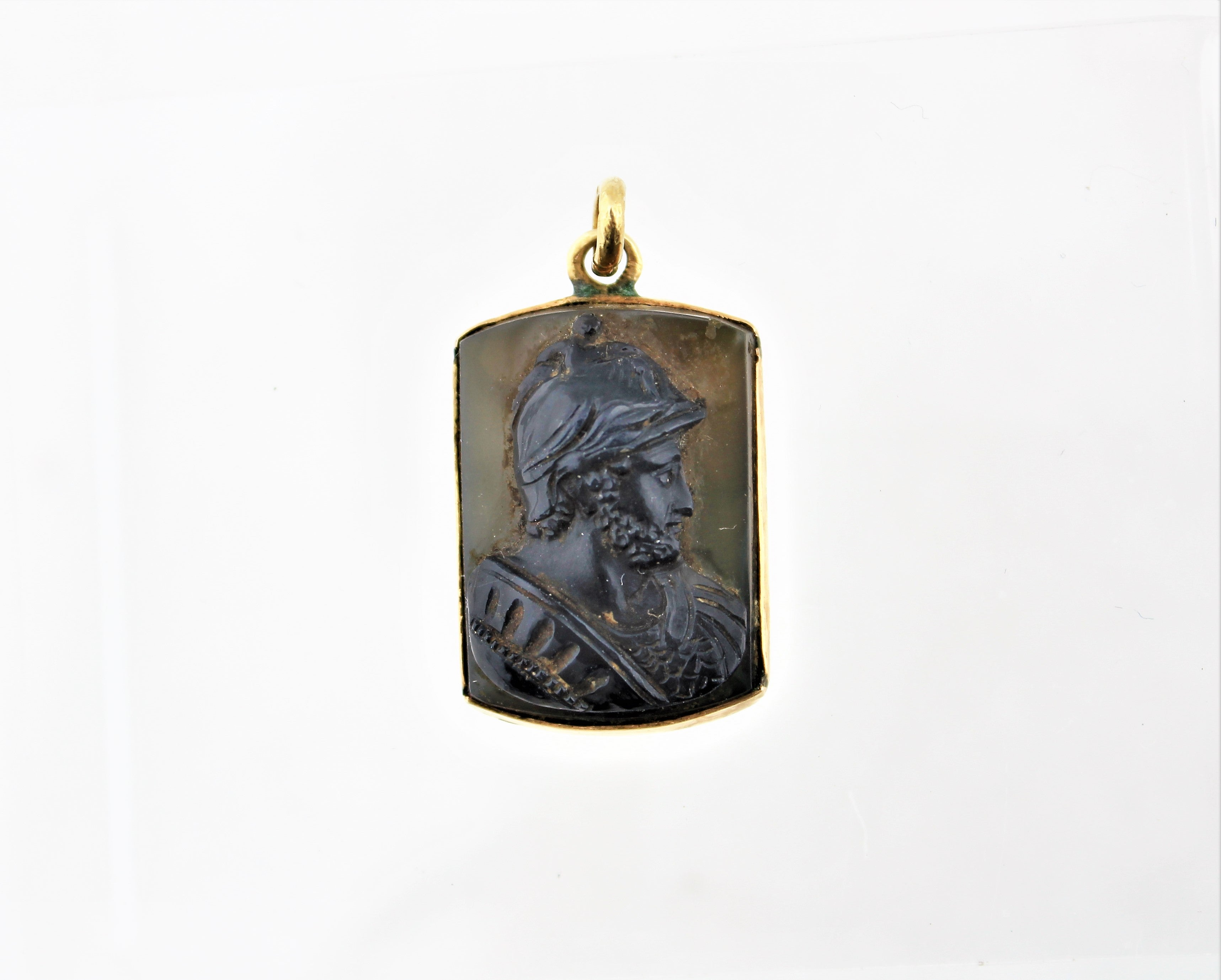 Antique 14K Gold Cameo Pendant