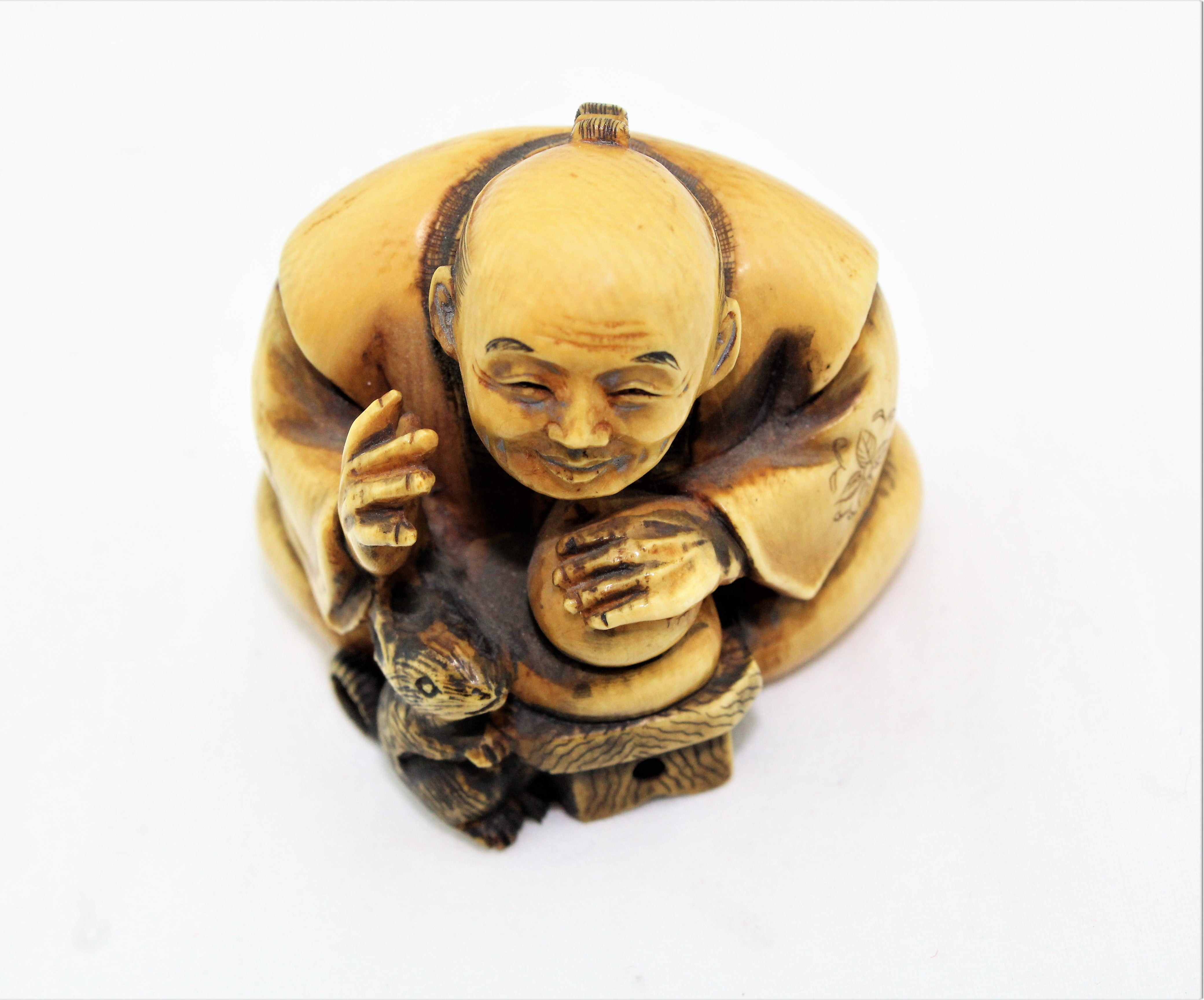 Japanese Carved Mouse Charmer Netsuke