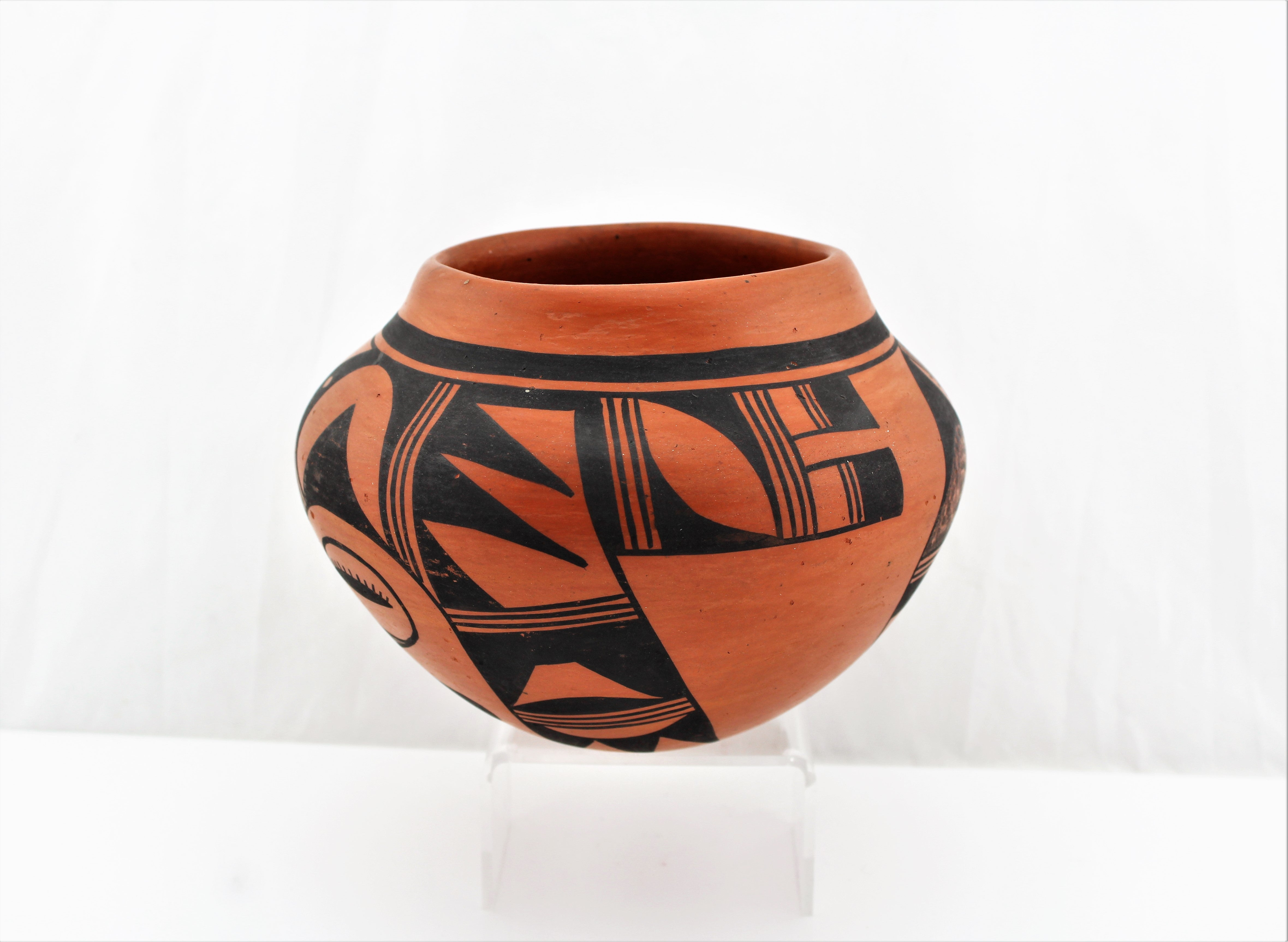 Evelyn Poolheco Hopi Tewa Pottery Bowl