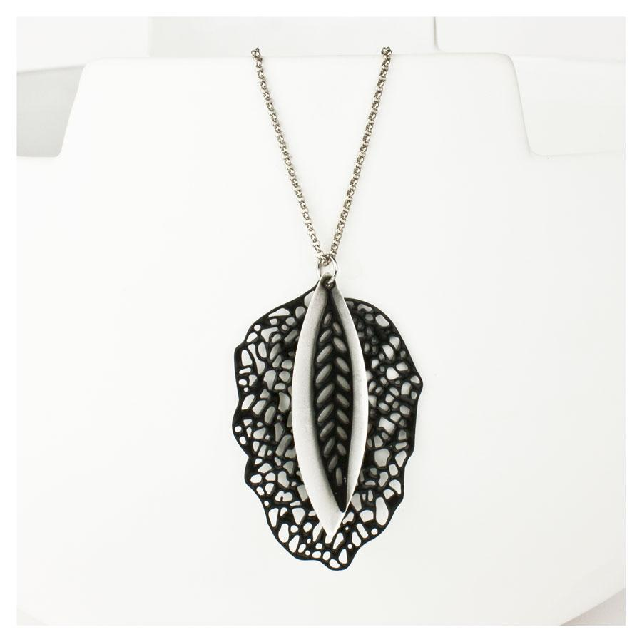 Danielle Jewellery Three Leaves Necklace | Koop.co.nz