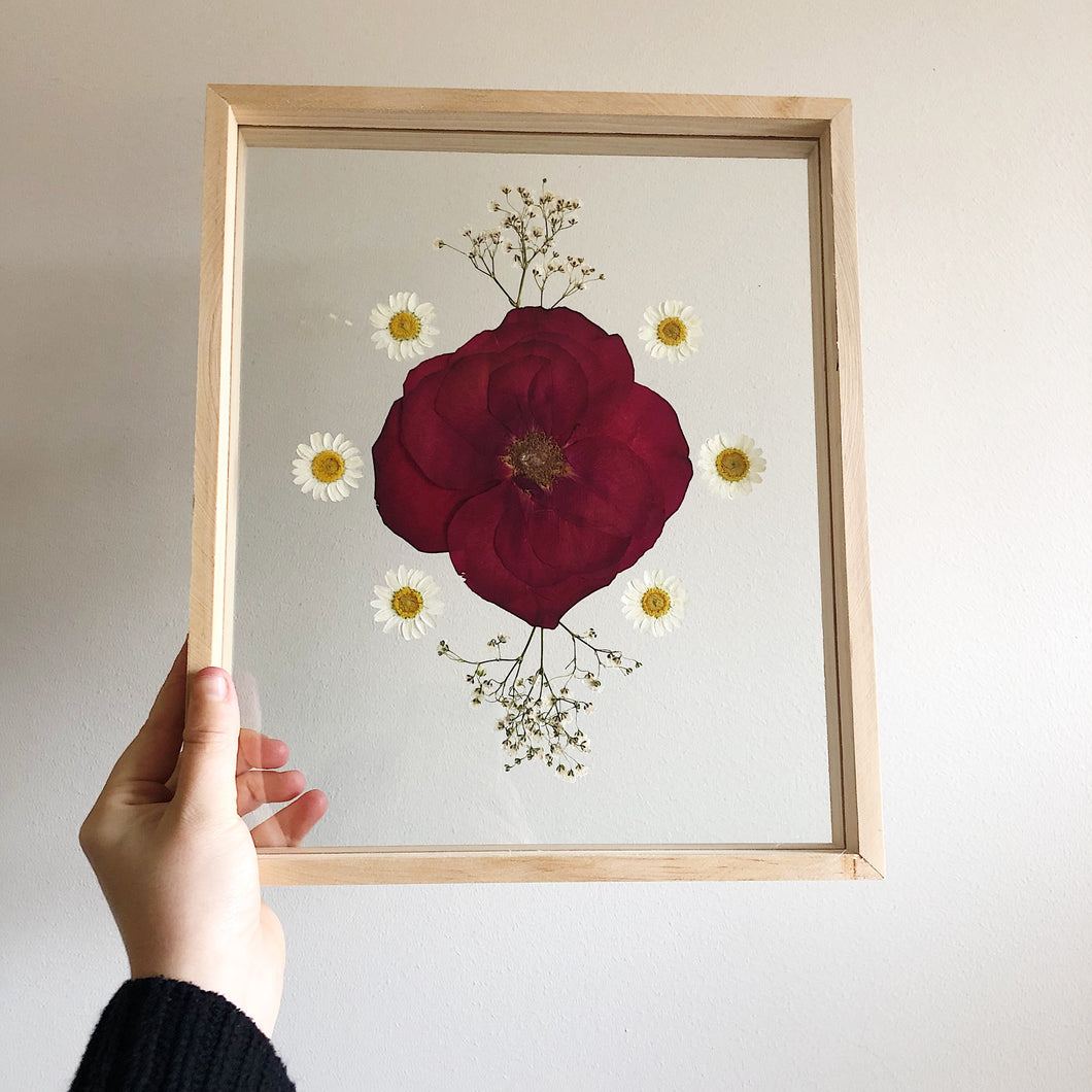 X-Large Rose & Daisy Frame (8x6)