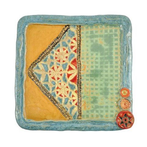 Laurie Pollpeter Eskenazi Blanket Stitch 7.5-inch Quilt Block Plate - The Barrington Garage