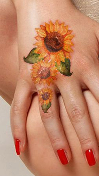 Cute Watercolor Sunflower Hand Tattoo Ideas for Women  ideas lindas del tatuaje del girasol para las mujeres - www.MyBodiArt.com