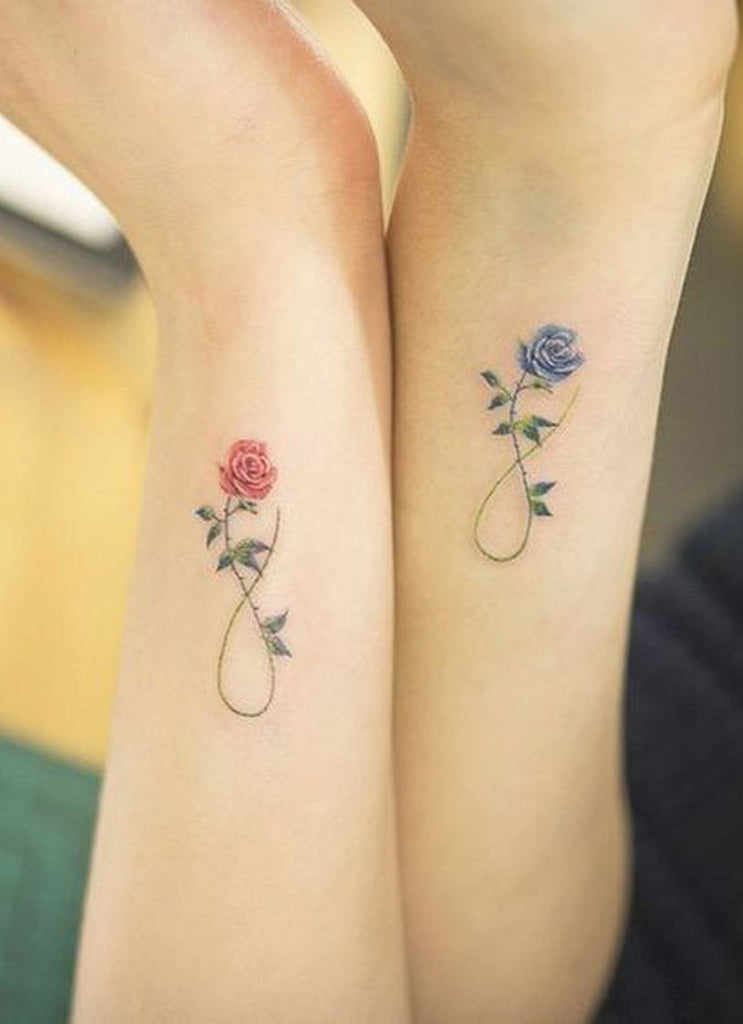 Matching Tattoos for Best Friends Small Cute Infinity Rose Wrist Tattoo Ideas -  pequeña rosa infinito que coincida con las ideas del tatuaje de la muñeca para las mujeres - www.MyBodiArt.com