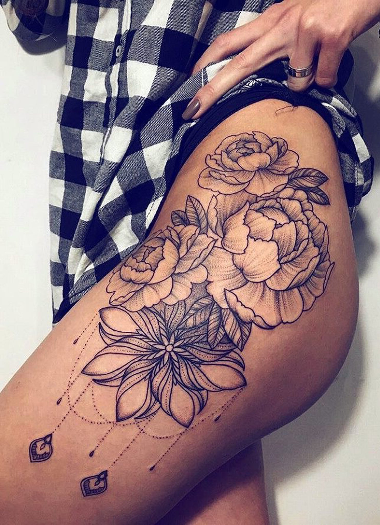 30 Womens Badass Hip Thigh Tattoo Ideas Mybodiart