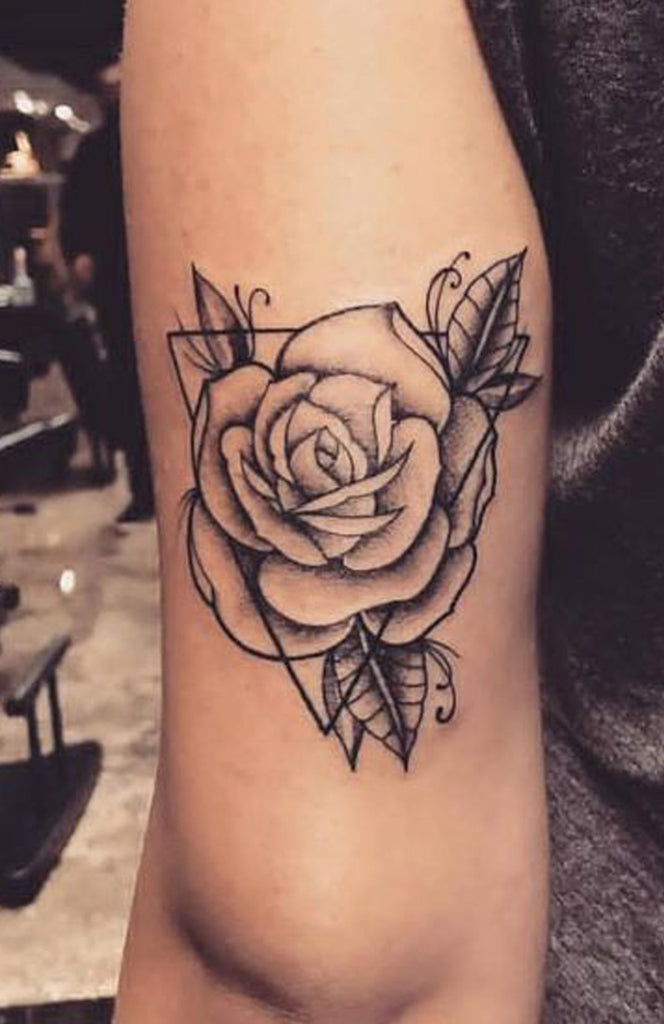 Vintage Black Rose Arm Tattoo Ideas for Women -  Brazo rosa negro Ideas de tatuaje para mujeres - www.MyBodiArt.com