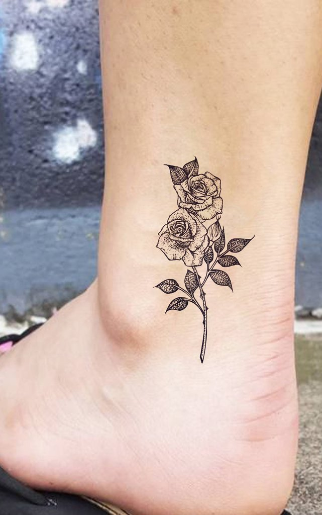 Small Vintage Roses Ankle Tattoo Ideas for Women - Beautiful Realistic Flower Delicate Leg Tat - pequeñas ideas de tatuaje de tobillo rosa para las mujeres - www.MyBodiArt.com #tattoos