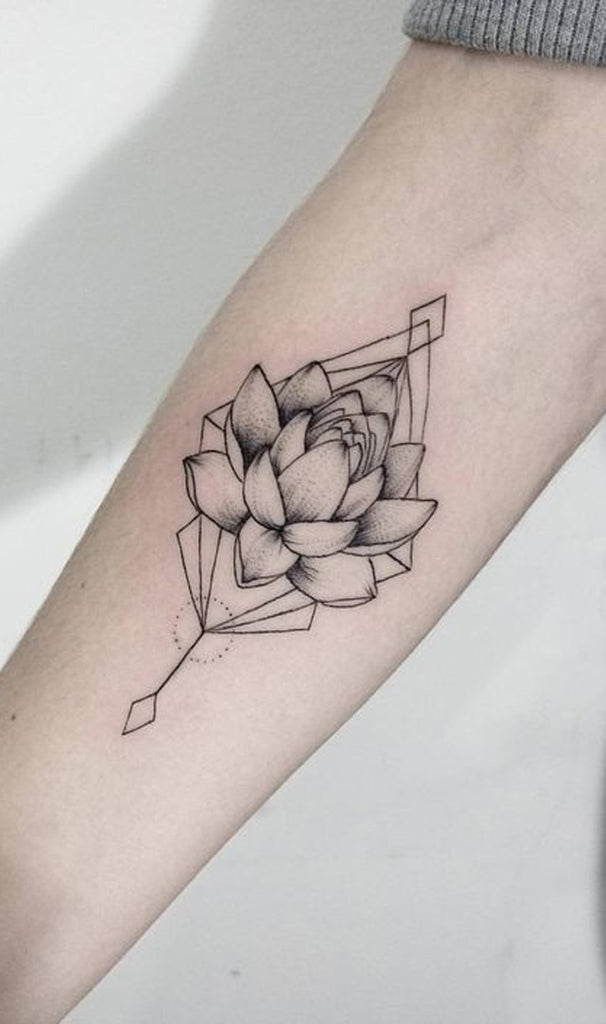 30 Delicate Flower Tattoo Ideas Mybodiart