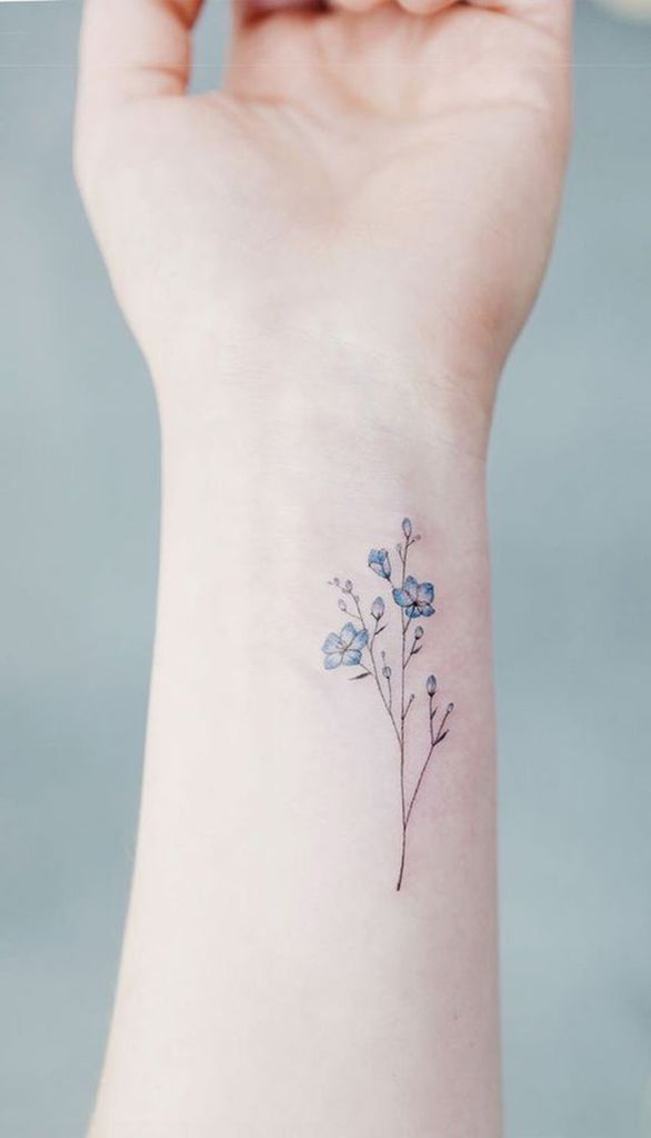 25f60206d Small Watercolor Minimalist Blue Floral Flower Wrist Tattoo ideas for Women  - Pequeñas acuarelas minimalista azul